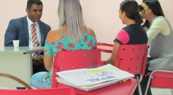 O Ministério Público do Estado de Alagoas, representado pelo Dr. Ivaldo da Silva, Promotor de Justiça da Comarca de Cacimbinhas/AL